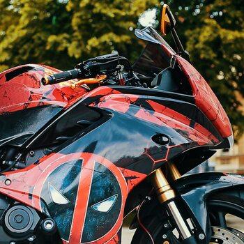 Udało nam się połączyć potencjał i umiejętności wspaniałych ludzi jak również zastosowanie najlepszych producentów naszego 🌍 aby stworzyć kolejny nieprzeciętny motocykl obok, którego nie da się przejść obojętnie.Laiki i nieletni będą nazywać go Spider-man'em 🤦🏻♂️ … drodzy Państwo mamy przyjemność zaprezentować Deadpool Honda CBR 600 F której właścicielką jest @fox_in_disguise_ .Dziękujemy @motobandatv , @apexclan.racing.design @barracudamotopolska @scorpionexhausts @stompgrip za wsparcie przy tym projekcie i Dagmarze za udostępnienie sprzętu do przeróbek. Zachęcamy do obejrzenia odcinka na @motobandatv#akcesoriamotocyklowe #wydechymotocyklowe #tlumikimotocyklowe #dodatkimotocyklowe #stompgrip #scorpionexhaust #barracudamoto