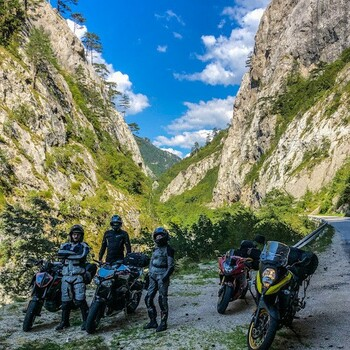 Półmetek wyprawy już za nami 😰. Jutro atak Albanii 🤟. Trzymajcie kciuki abyśmy dali radę.#motocykl #motocykle #motocyklista #epictrip #epictrip2021